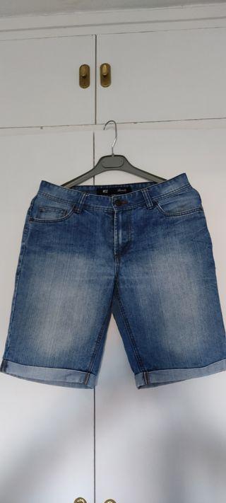 Pantalón vaquero corto