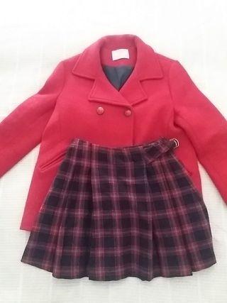 Abrigo y falda