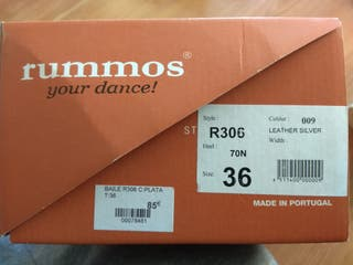 Zapatos de baile plateados Rummos