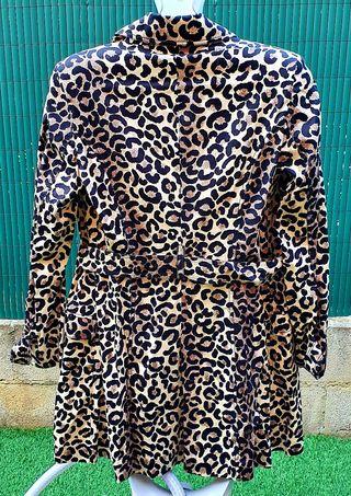 Gabardina de leopardo talla L-40 sin estrenar