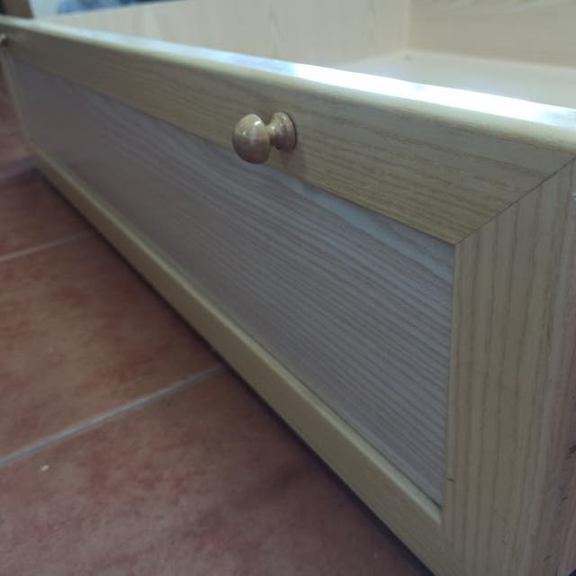 cajones de bajo cama madera claro con ruedas