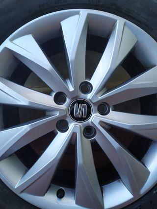 "Llantas 17"" con neumáticos"