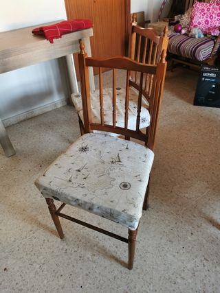 4 sillas de madera