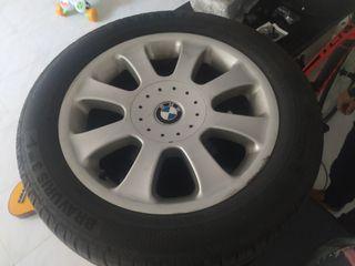 ruedas con neumaticos