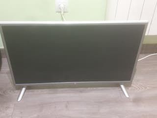 """Televisión LG 32"""" Smart TV , Full HD (negociable)"""