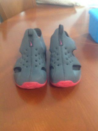 Sandalia Nike niña