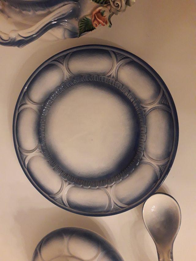 Olla sopera, plato y cuchara