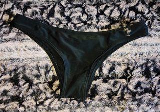 Braga bikini brasileña negra