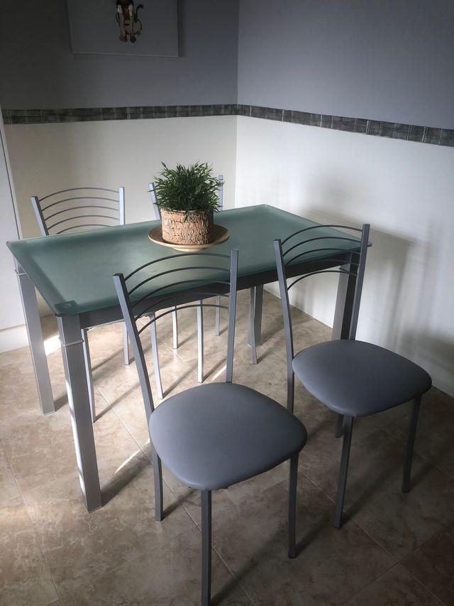 Mesa de cocina ( solo la mesa)