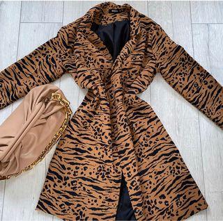 MISSGUIDED light leopard print light blazer