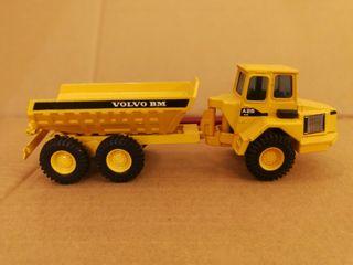 camión dumper miniatura joal 5350 metal Volvo BM
