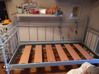 cama metálica Ikea