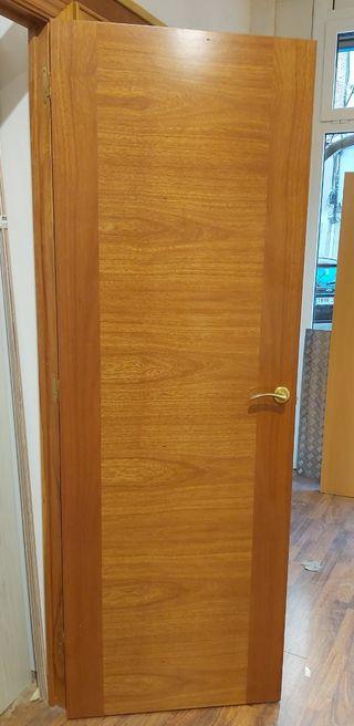 puerta en Cedro