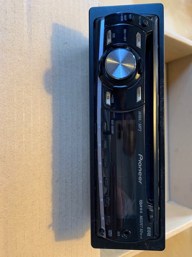 Radio cd-mp3 pioneer para vehículo