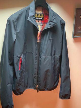 Cazadora Barbour azul 2 bolsillos waterproof.Nueva