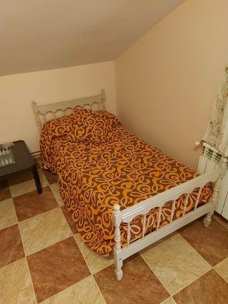 2 camas de 90×200.