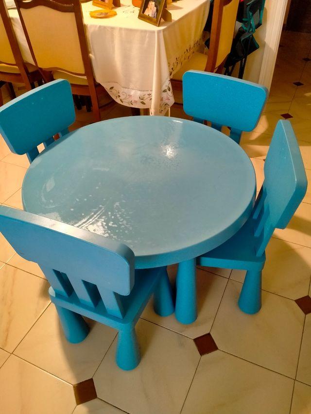 Mesa con 4 sillas infantil