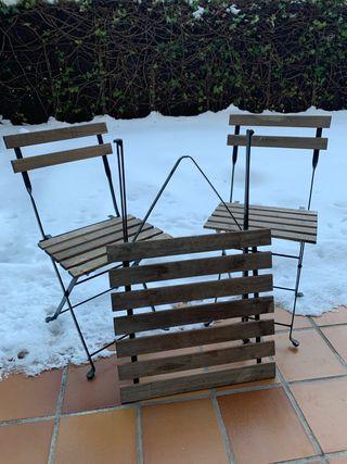 Mesa y 2 sillas plegables