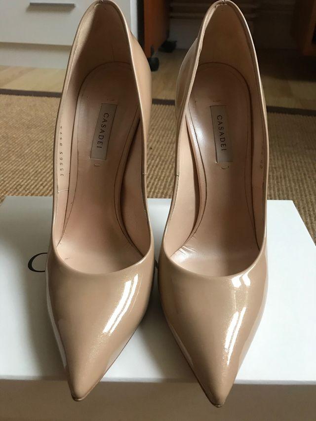 Zapatos de salón Casadei