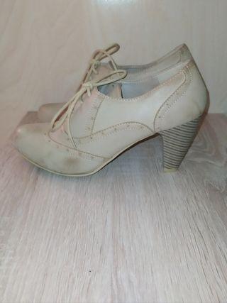 Zapatos abotinados 39