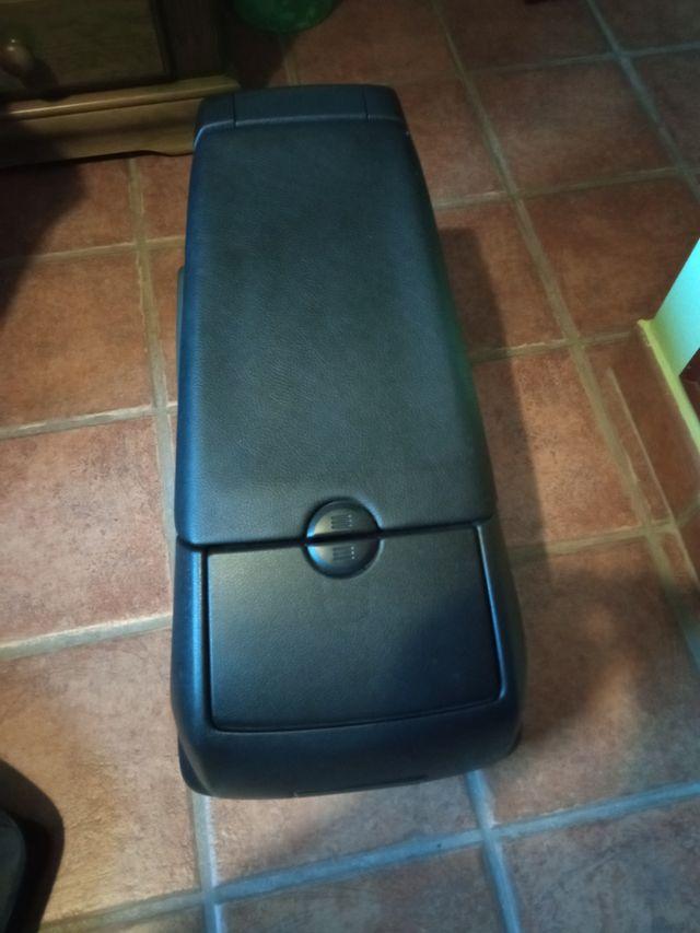 cajón de asiento trasero Ford