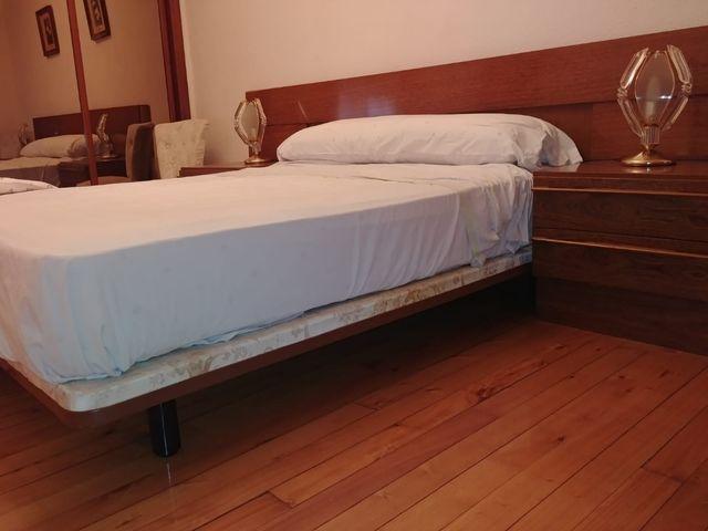 Mesillas, cama y cabecero