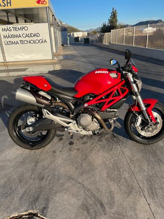 Ducati Monster 696 + ABS