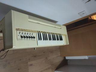Órgano eléctrico magnus