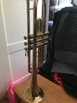 Trompeta Boosey & Hawkes 400