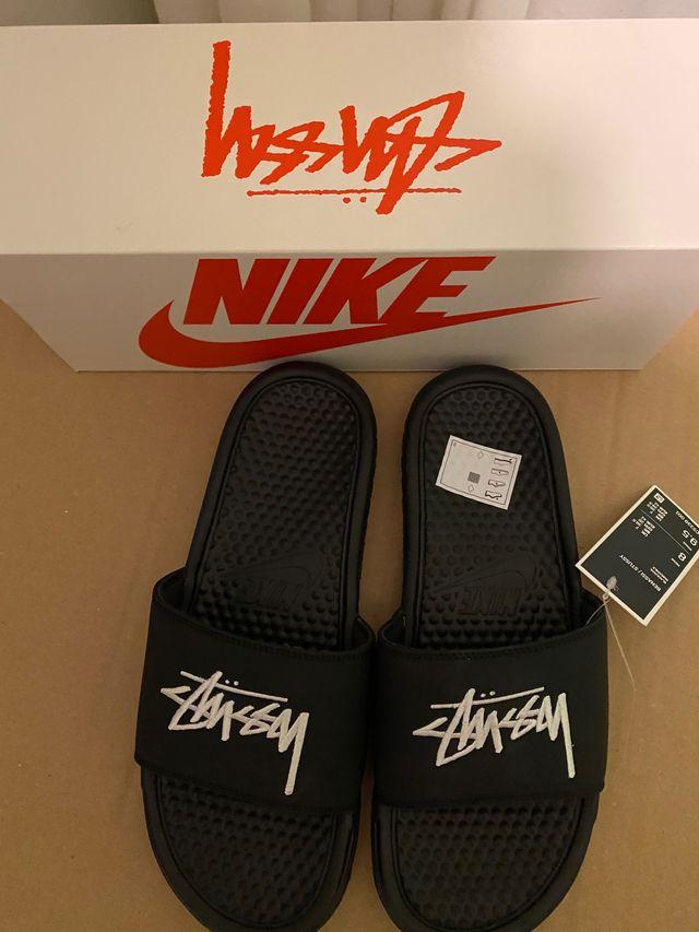 Chanclas Nike x Stussy