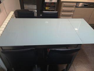 mesa de cocina y 4 sillas
