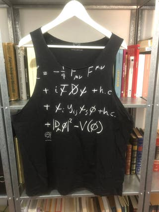 Camiseta cortada del CERN