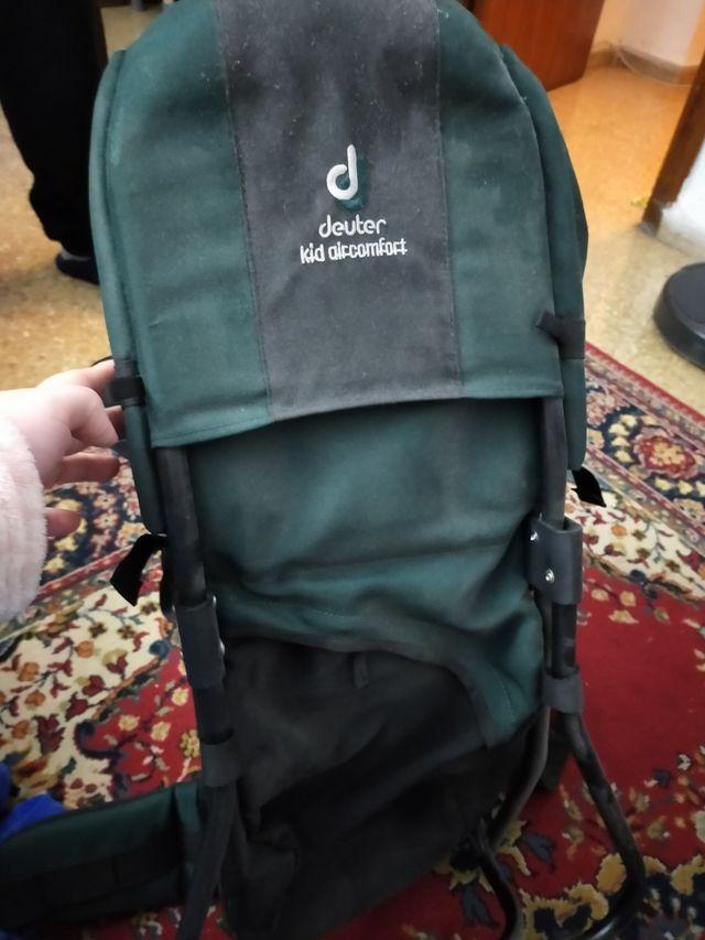 mochila de niños para hacer senderismo