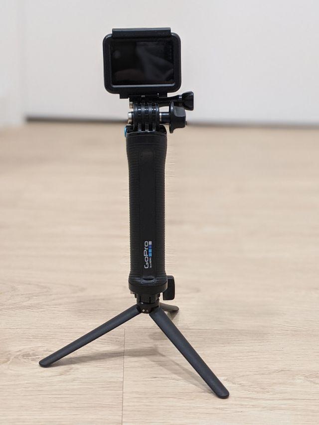 GoPro Hero 5 Black con accesorios
