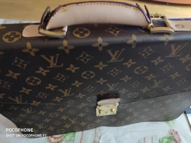 Cartera documentos Louis Vuitton