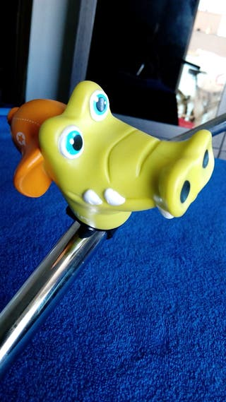 Gracioso timbre muñeco de bicicleta infantil como