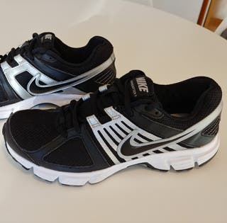Zapatillas Nike Downshifter 5, talla 40