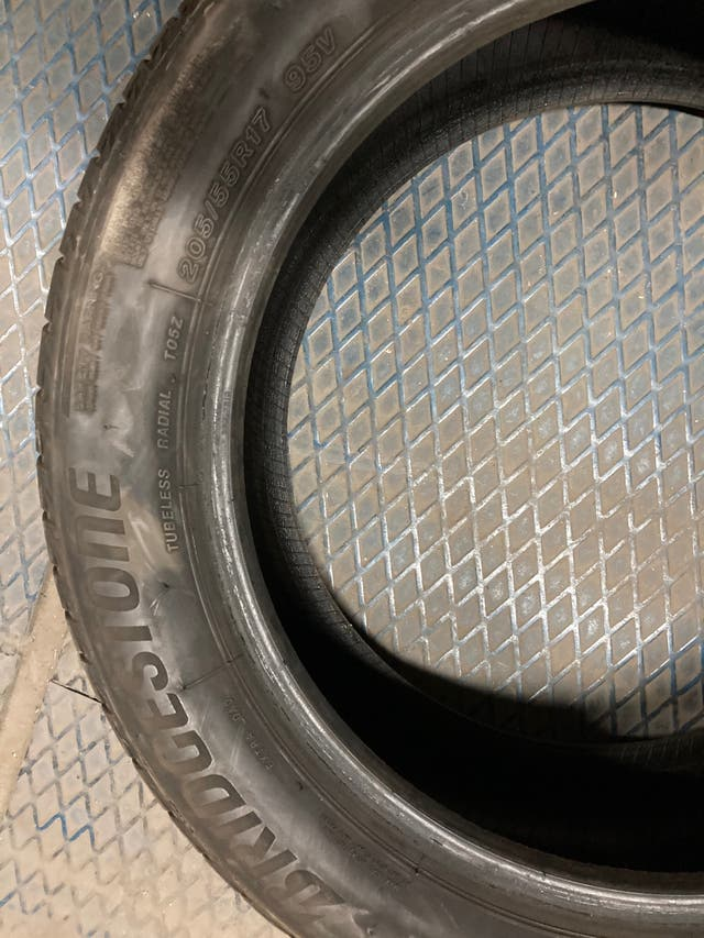 Neumáticos Bridgestone 205/55 R 17 95V