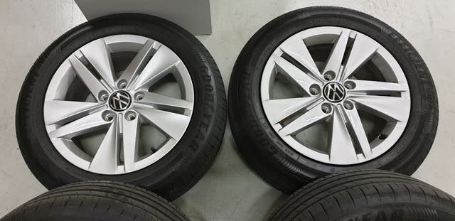 Llantas Originales VW con Neumaticos Goodyear