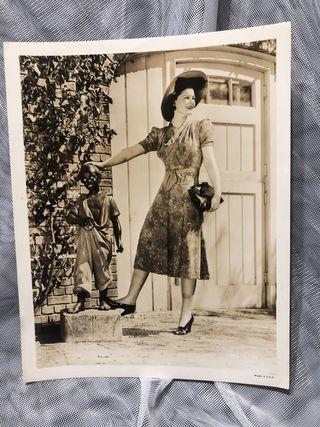 ANTIGUA FOTO PERIODÍSTICA DE RUTH HUSSEY