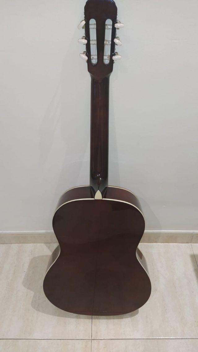 guitarra española Navarra como nueva