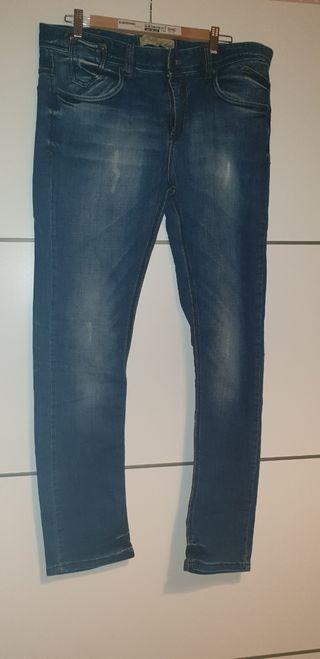 Pantalon baquero hombre Bershka,talla 44
