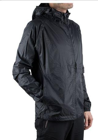 Chubasquero sport con capucha Talla L