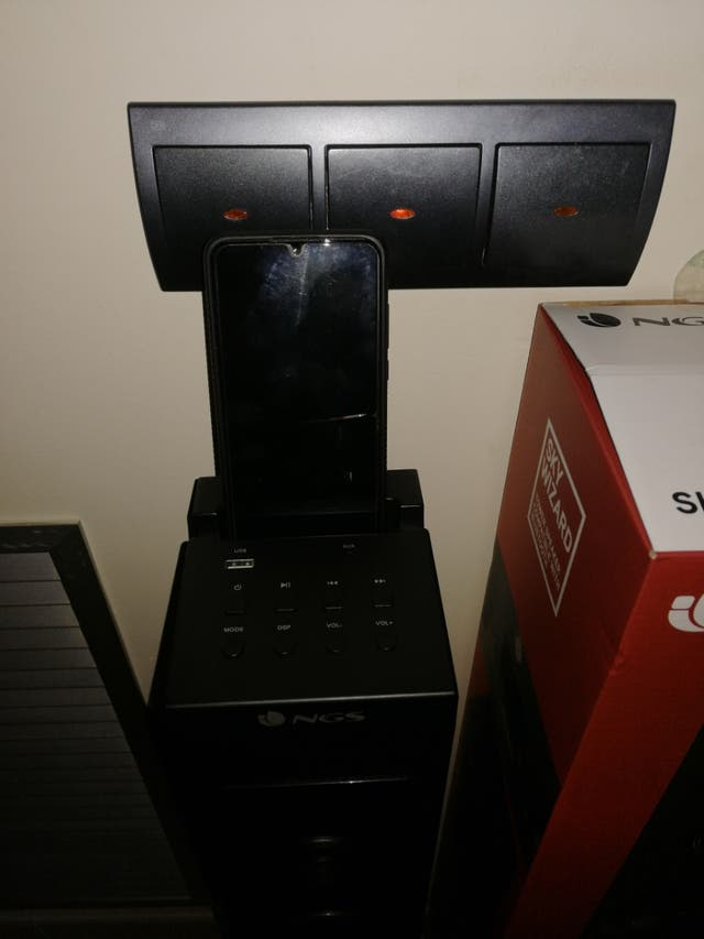 TORRE SONIDO NGS SKYWIZARD ALTAVOCES
