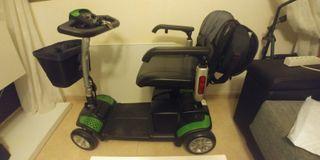 Silla de ruedas nueva, tipo scooter.