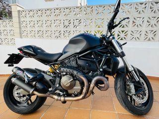 moto Ducati monster 821