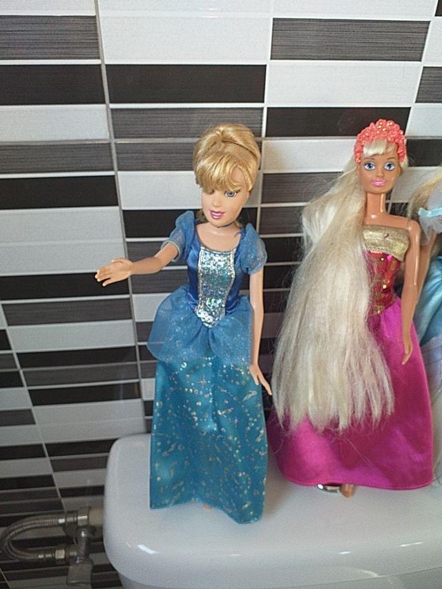 lote muñecas Disney sindy