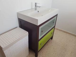 """Conjunto mueble + lavabo + grifo """"roca"""" de diseño"""