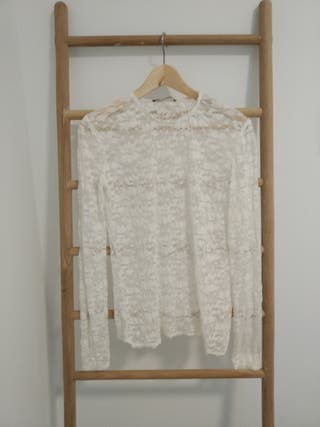 Top blanco encaje Zara (S)