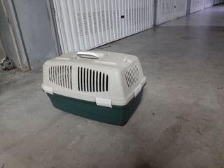 Jaula para perro o gato.